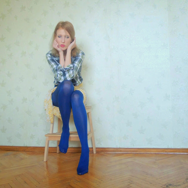 В синих колготках девушки фото