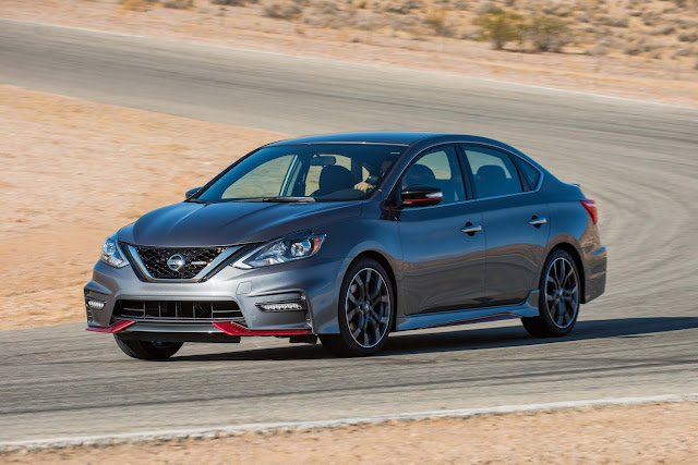Front 3/4 view of 2017 Nissan Sentra NISMO