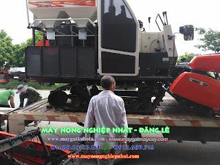 Ảnh xuất giao bán máy gặt Kubota DC 70 đi Bình Giang Hải Dương