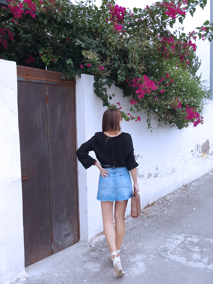 denim-skirt-espadrilles-wood-bag