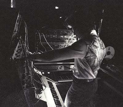 Pierre Salkazanov 'Zanov' en directo en el concierto celebrado en Villebon-sur-Yvette el 16 de junio de 1978