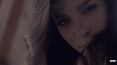 Elena Temnikova Premieres 'Heat/Тепло' Music Video