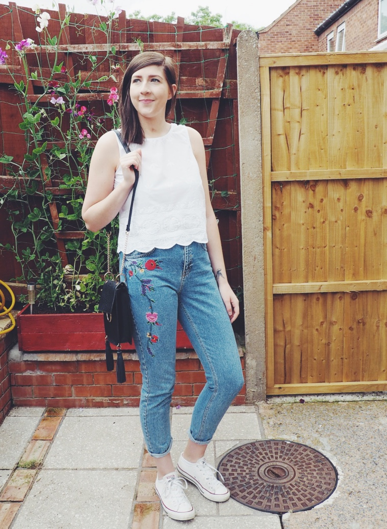 fbloggers, fashionpost, fashionbloggers, wiw, whatimwearing, ootd, outfitoftheday, asseenonme, embroidereddenimjeans, primarkembroideredjeans, lotd, lookoftheday