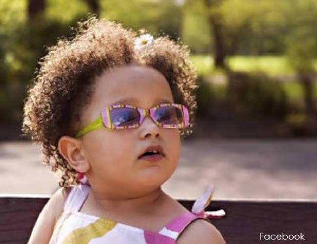 Cómo mantener el cabello afro húmedo