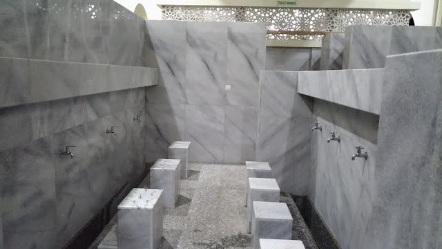 http://www.renidwiastuti.com/2018/05/masjid-kh-ahmad-dahlan-gresik.html