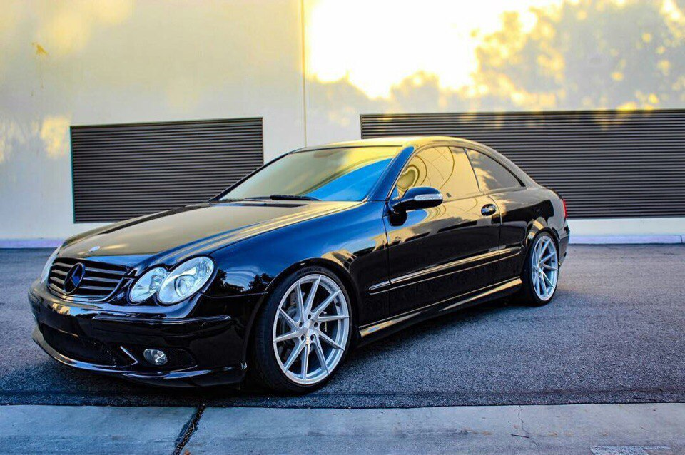 mercedes benz w209 clk55 amg on vossen cvt wheels benztuning. Black Bedroom Furniture Sets. Home Design Ideas
