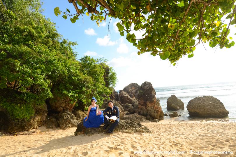 foto prewedding di pantai jogja