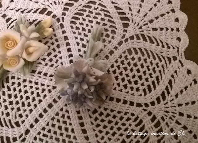 uncinetto-centrino-a-fiore