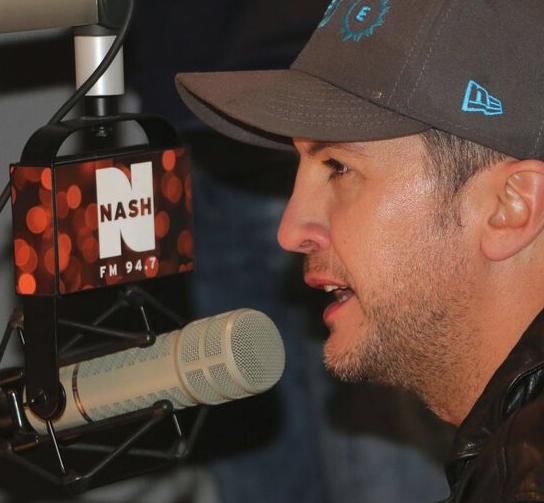 Media Confidential Nyc Radio Luke Bryan Opens Cumulus 39 Performance Studio