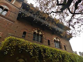 Borgo medievale Parco del valentino torino autunno