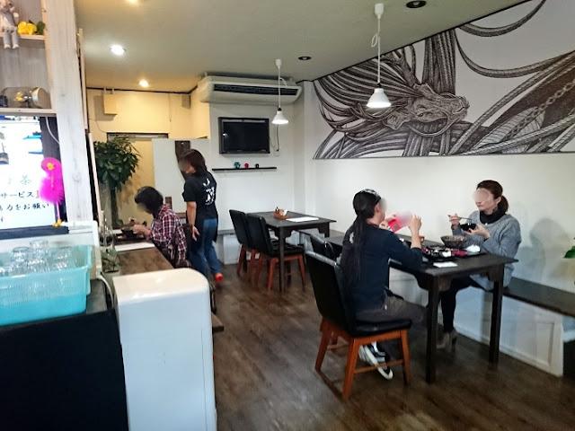 琉球麺 茉家の店内