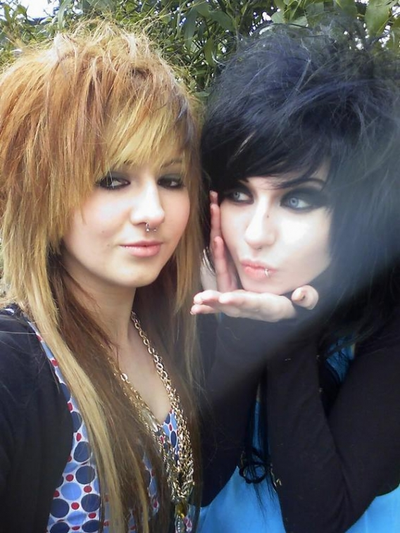 Emo Girl Hair Styles Emo Hairstyles For Girls With Curly Hair