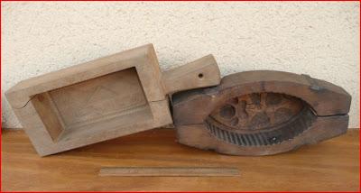 vieux outils et art populaire moule en bois marque en bois. Black Bedroom Furniture Sets. Home Design Ideas