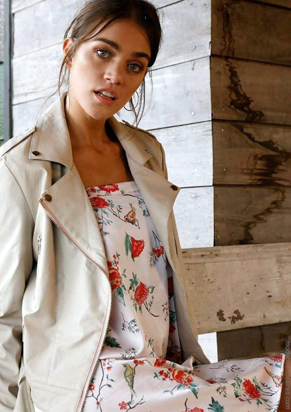 Vestiods y chaquetas primavera verano 2018. Moda mujer primavera verano 2018 urbana.