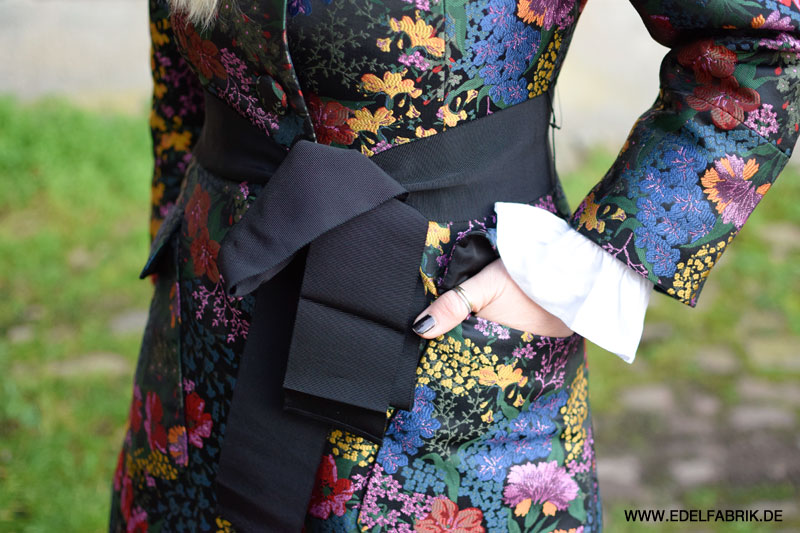 So stylst Du den Erdem Blumenmantel aus der H&M Kollektion