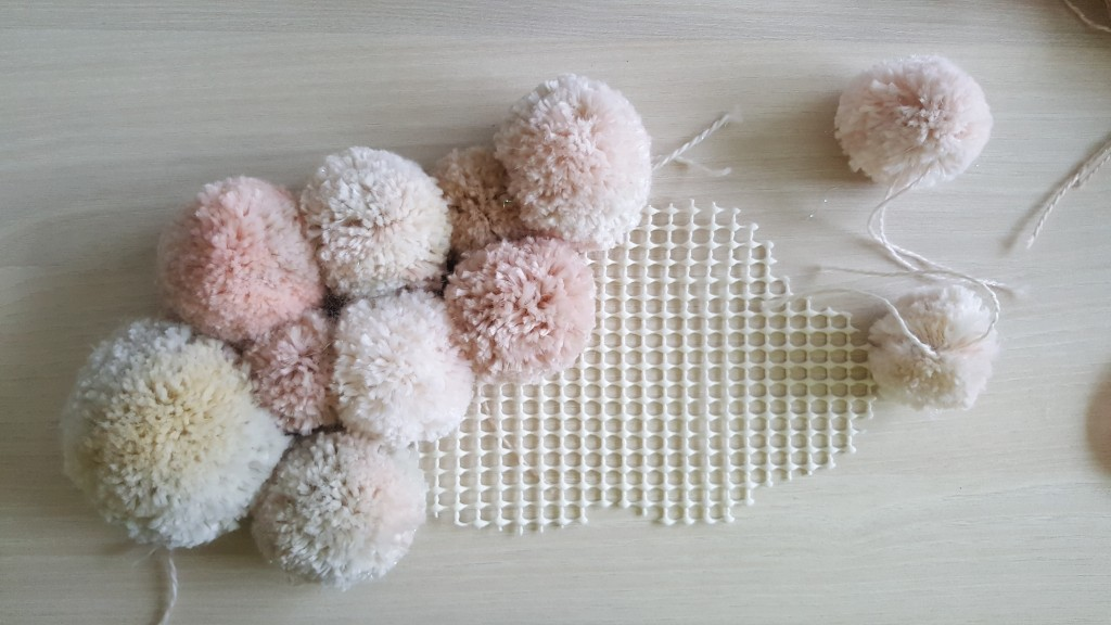 Diy Un Nuage De Pompons Woody Beauty