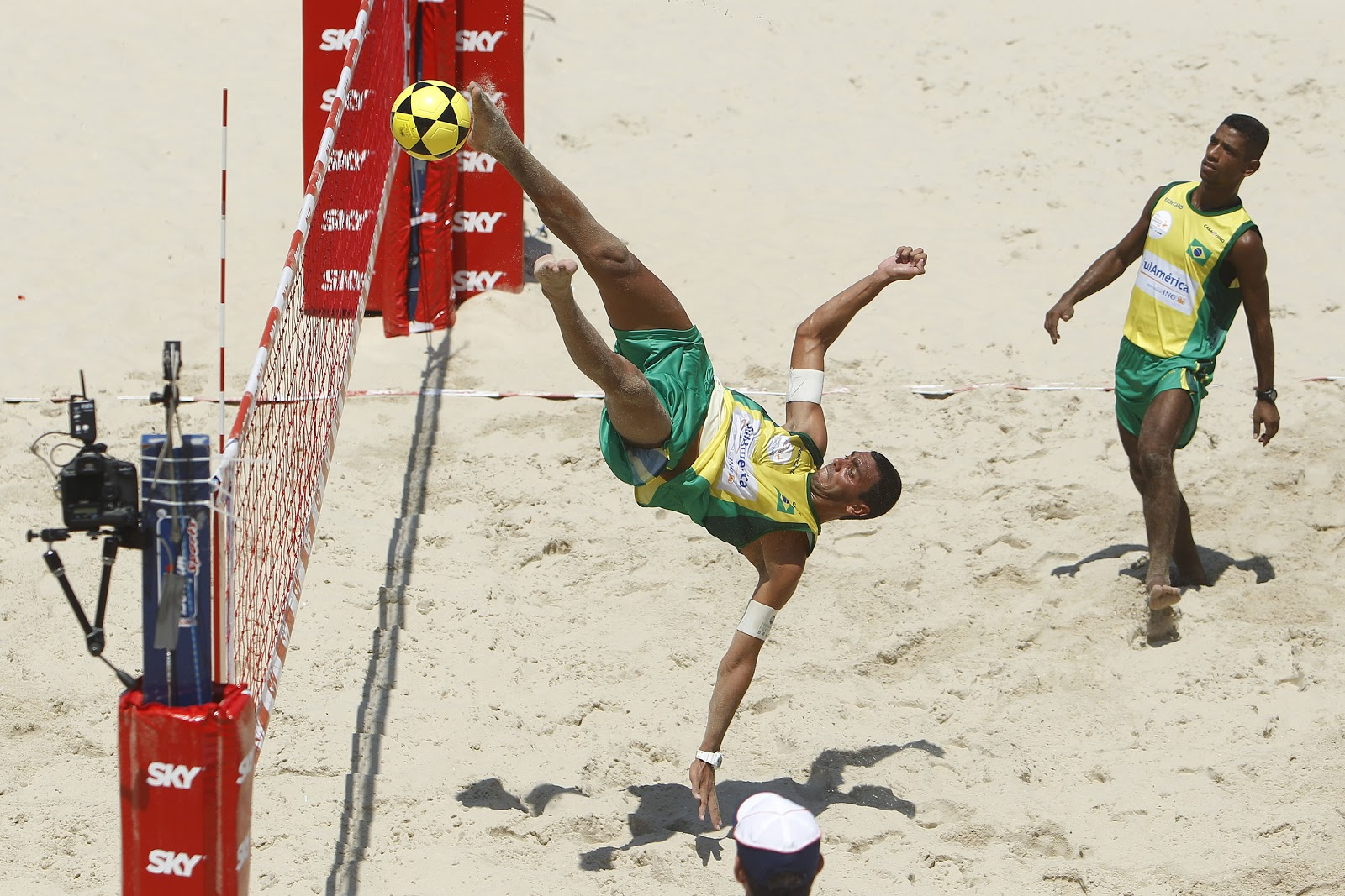 Time de Renato Gaúcho venceu as duas partidas que disputou. Jogos recomeçam  às 18h. 5b83728cbdadb