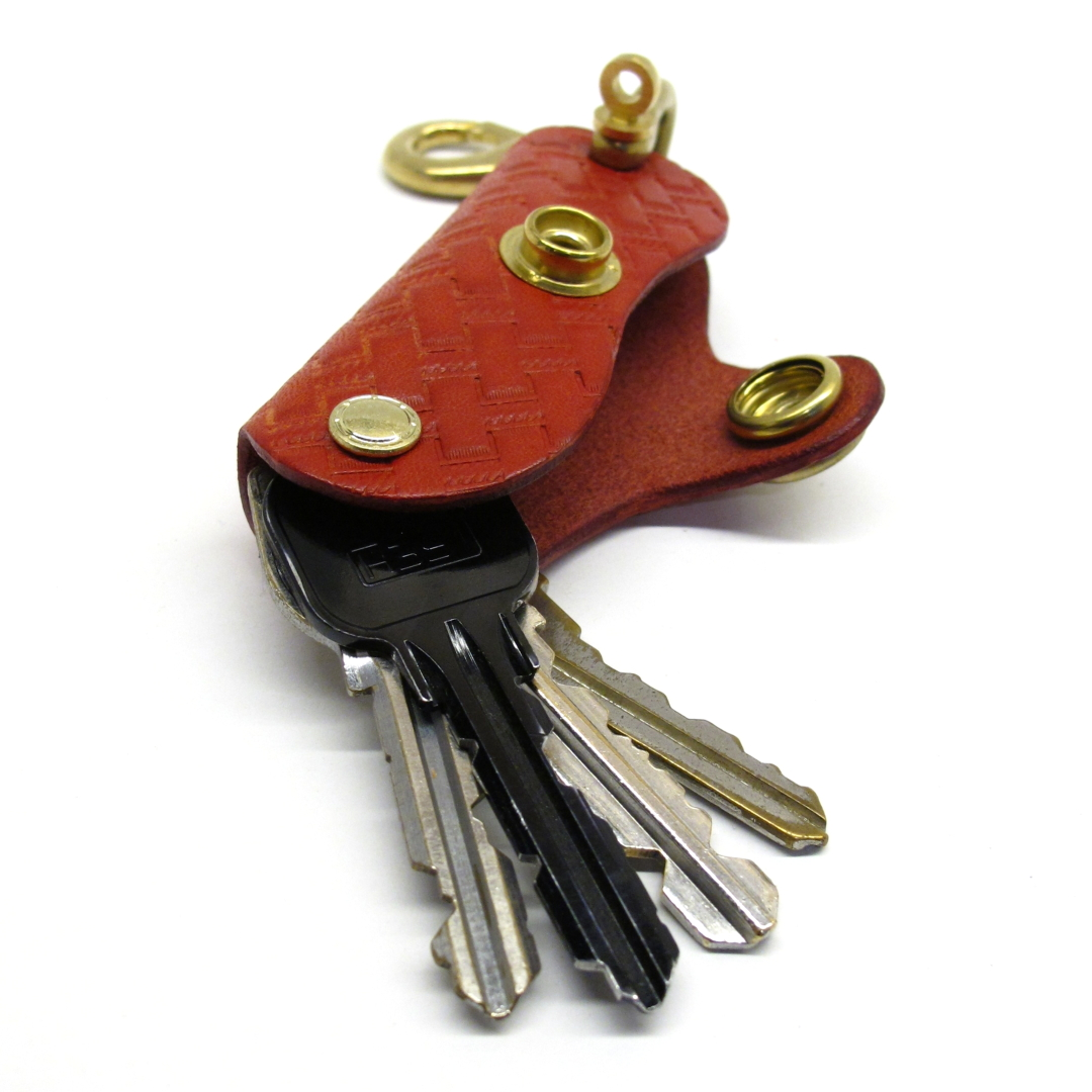 """CALEE """"Embossing leather key case"""" Price:12,960yen"""