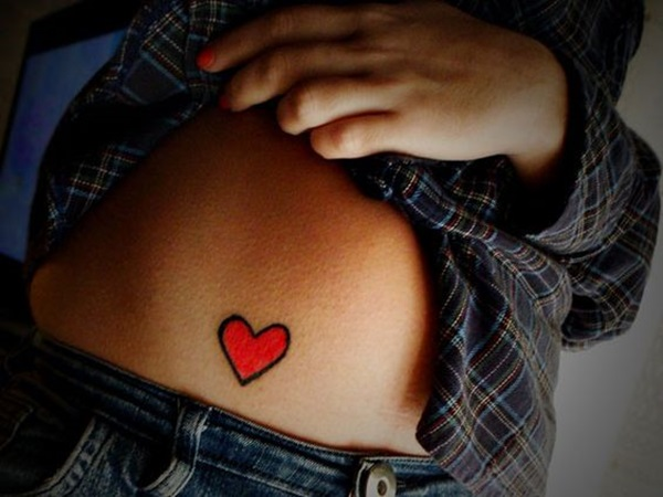 Verführerische Herz-Tattoos für Frauen 4