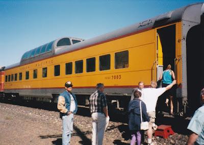 HUNX Dome Coach #7003 in Wishram, Washington, on June 7, 1997