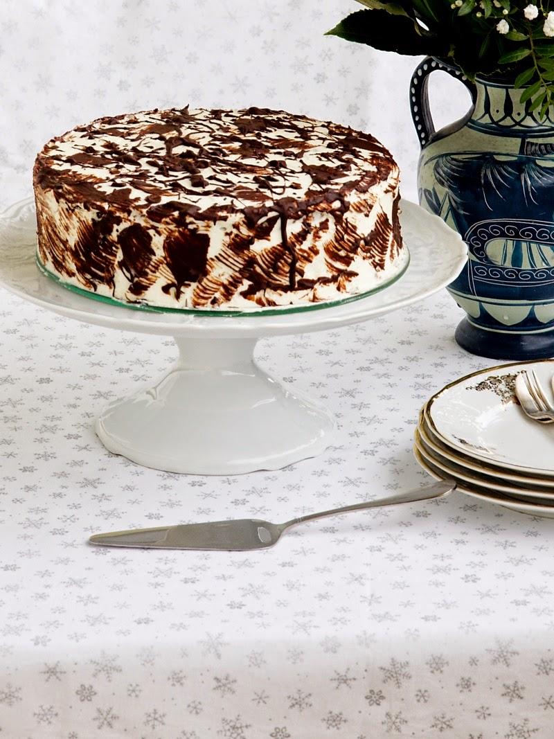 ořechový dort k narozeninám Pradobroty: Ořechový dort s mascarpone krémem ořechový dort k narozeninám