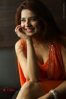 Actress Saloni Aswani Pos in Short Dress at Meelo Evaru Koteeswarudu Movie Interview  0179.JPG