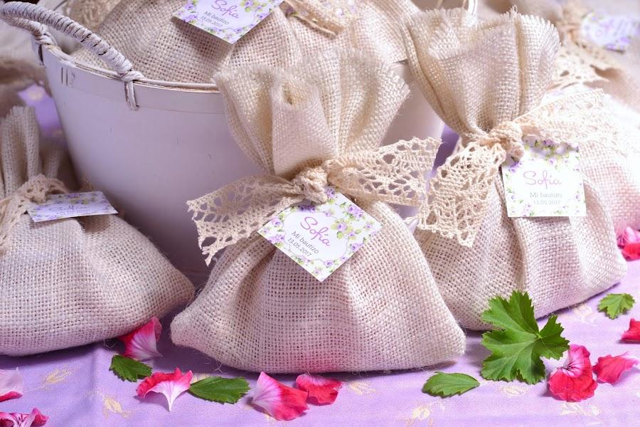 Detalles de bautizo saquitos aromaticos personalizados
