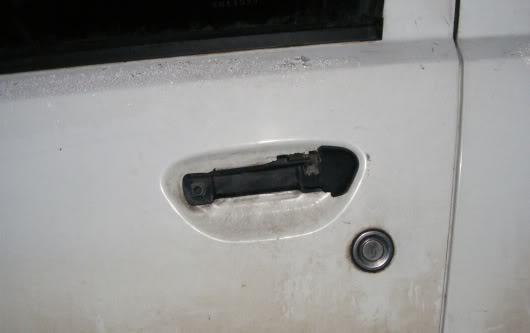 Nulūžusi Fiat Punto rankenėlė