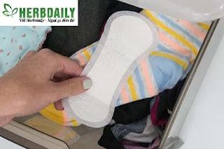 Vùng kín khó chịu vì băng vệ sinh hàng ngày