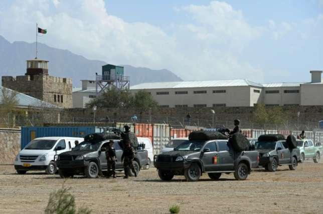 Suicide Bomber Kills Seven near Kabul Prison