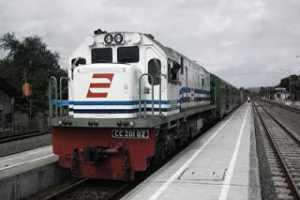 Info Keberangkatana Kereta Ekskutif Dari Stasiun Gubeng ke Gambir