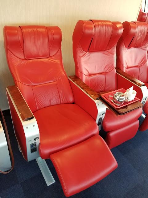 v2v reclining leather seats