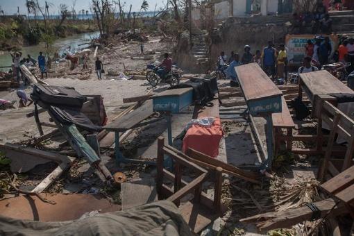 Haití denuncia negocio humanitario de ONGs tras paso de Matthew