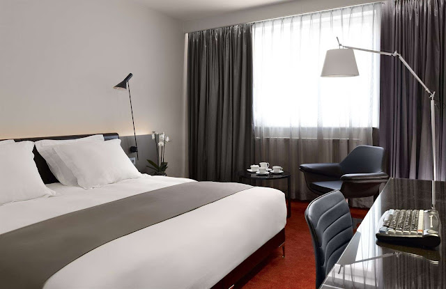 Just steps away from Central Station, the central Park Plaza Victoria Amsterdam boasts 1890s architecture and modern amenities like free Wi-Fi. Book now!