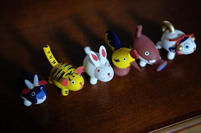 鳥取県岩美町岩井温泉の玩具、木彫人形 おぐら屋 購入した十二支の木彫人形