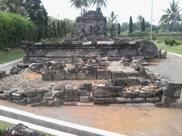 Cagar Budaya Candi Ngawen Yang Berada Di Muntilan Magelang Jawa Tengah
