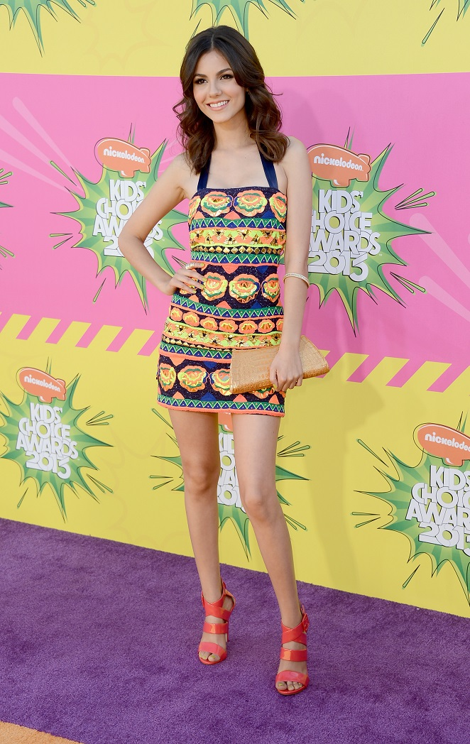 Victoria Justice - Celebrity Fashion at the Kids' Choice Awards 2013