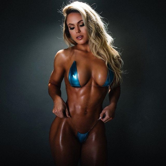 Brazilian Fitness Model TAMRA DAE