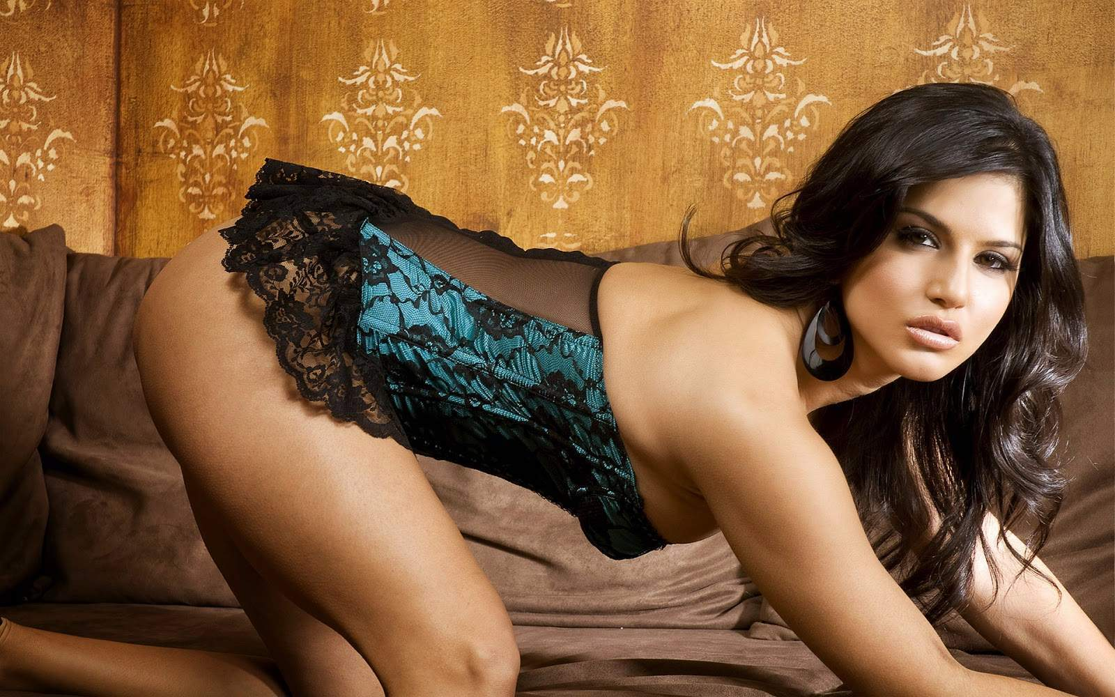 7 Interesting Facts About Sunny Leone That Will Make Any -8527