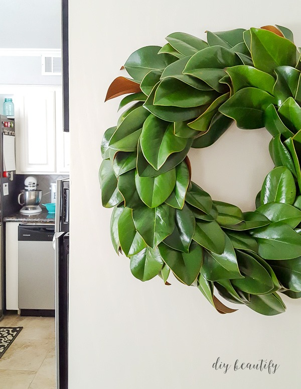 DIY fresh magnolia wreath