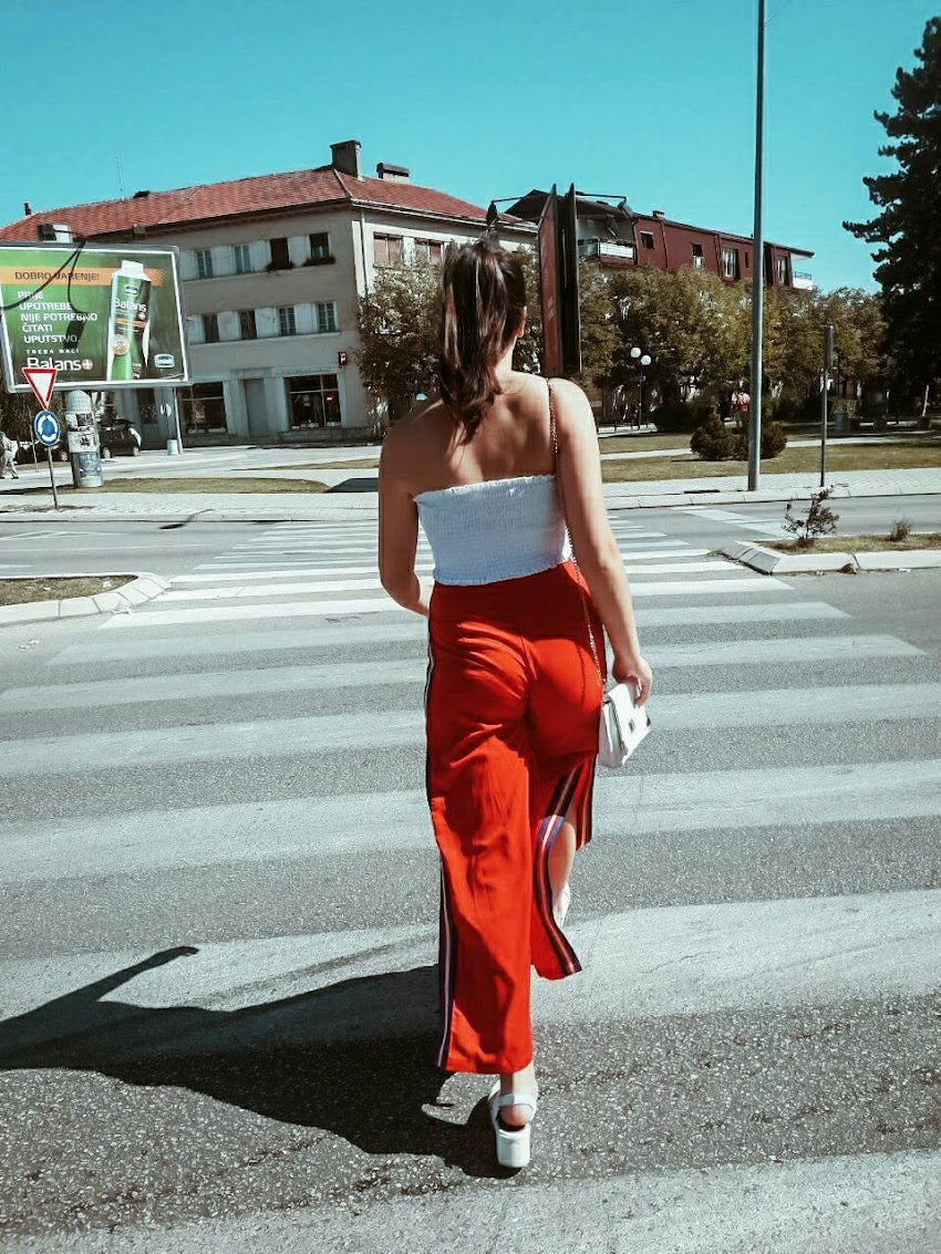 When in doubt wear RED | Outfit