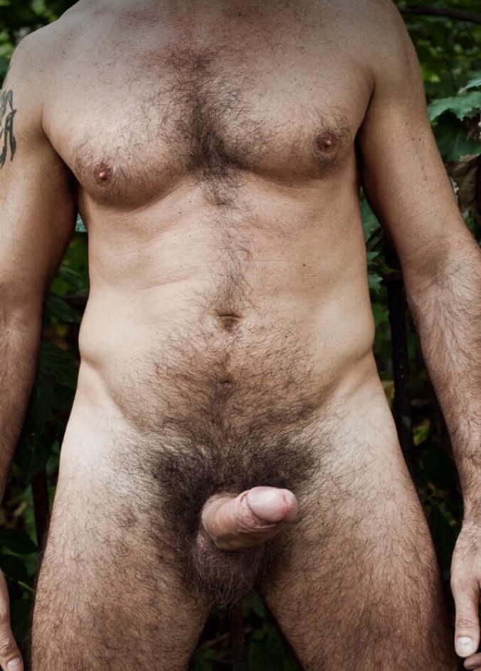 Голый мужик волосатый