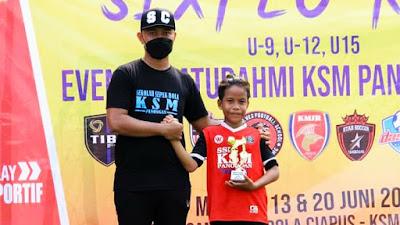 Aldo Bareto Pemain Terbaik dan Top Skor 7 Gol di SIXFEO KSM U-10 Tahun 2021