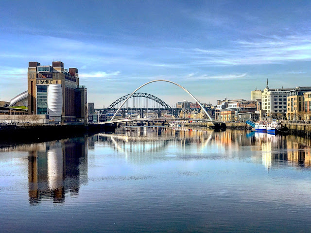 newcastle quayside, sunshine, and positivity, how I turned my life around in less than a month, mandy charlton, photographer, writer, blogger