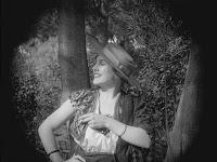 """Эдна Первайэнс в к/ф """"Пародия на Кармен"""" / Burlesque on Carmen (1916) - 2"""