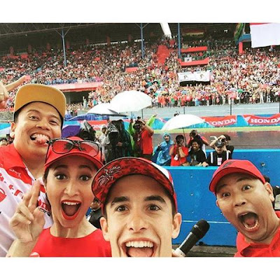 Lihat Selfie Marquez di Sentul, Sirkuit Berubah Jadi Merah