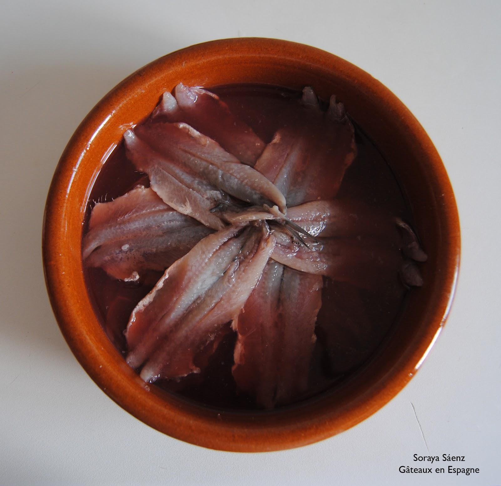 g teaux en espagne 39 tapa 39 espagnole facile anchois avec du vinaigre. Black Bedroom Furniture Sets. Home Design Ideas