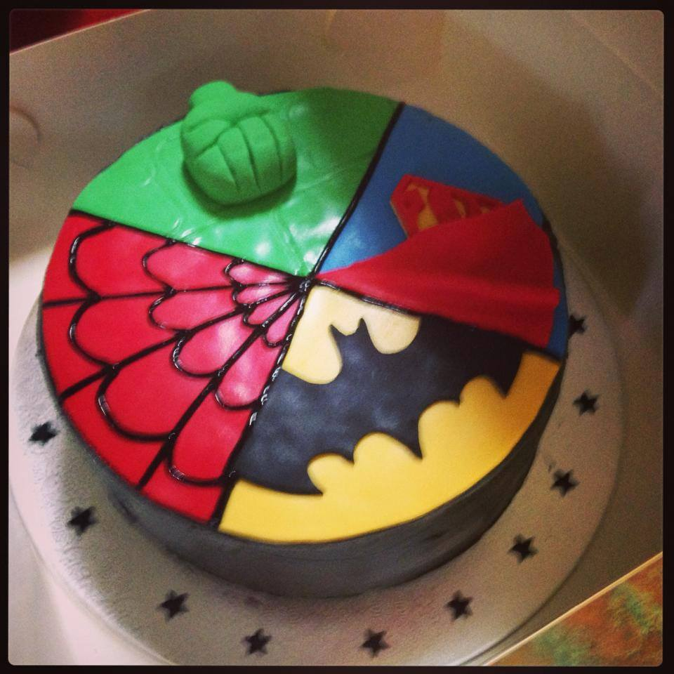 Superhero cake 4 super hero Superman Batman Spiderman Hulk Fondant