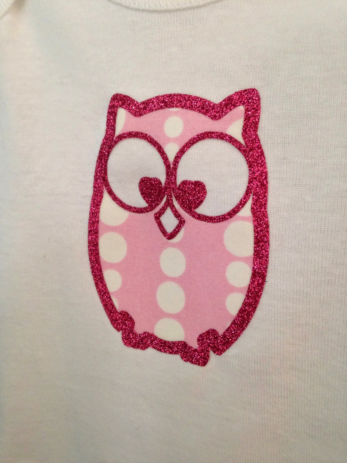 Silhouette tutorial, fabric, glitter HTV, glitter heat transfer vinyl, Silhouette Studio, owl, onesie