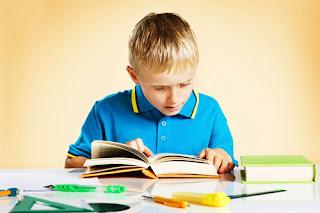 Inilah Manfaat Mengerjakan PR bagi Anak